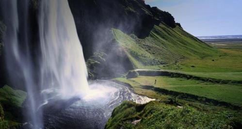 Cachoeira de Seljalandsfoss, costa sul da Islândia